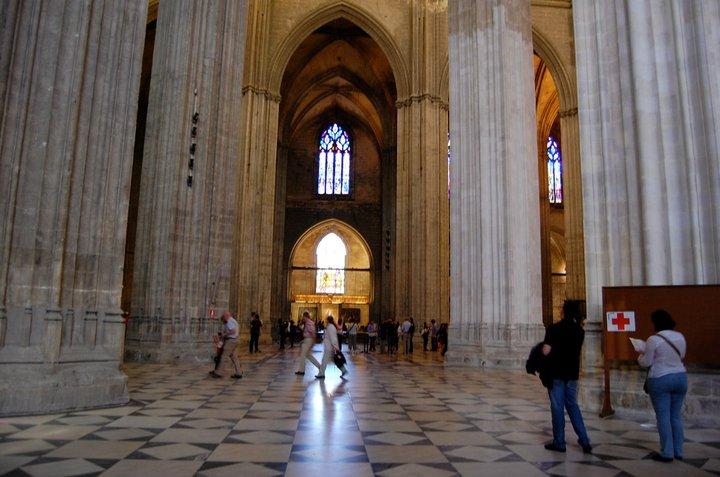 La plaza de espa a georgette sullins 39 s blog - Catedral de sevilla interior ...